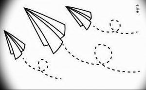 Фото тату бумажный самолетик 09.10.2018 №088 - tattoo paper airplane - tattoo-photo.ru