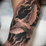 Фото тату голубь 26.10.2018 №045 - tattoo dove - tattoo-photo.ru