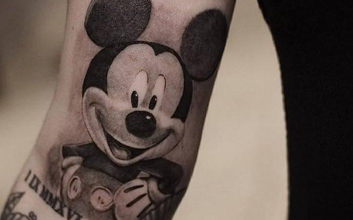 Фото рисунка Тату Микки Маус 20.11.2018 №031 - Tattoo Mickey Mouse - tattoo-photo.ru