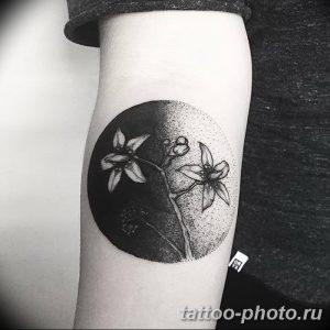 Фото рисунка тату круг 22.11.2018 №088 - photo tattoo circle - tattoo-photo.ru