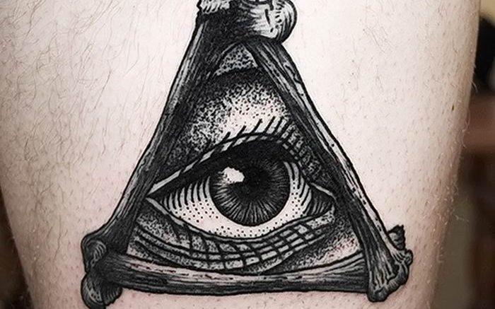 фото рисунка тату глаз в треугольнике 27.11.2018 №011 - tattoo of eyes - tattoo-photo.ru