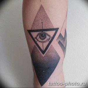 фото рисунка тату глаз в треугольнике 27.11.2018 №028 - tattoo of eyes - tattoo-photo.ru