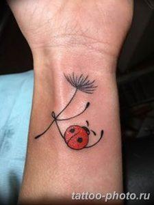 фото идея тату божья коровка 22.12.2018 №053 - photo ladybug tattool- tattoo-photo.ru