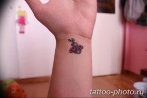 фото идея тату божья коровка 22.12.2018 №116 - photo ladybug tattool- tattoo-photo.ru