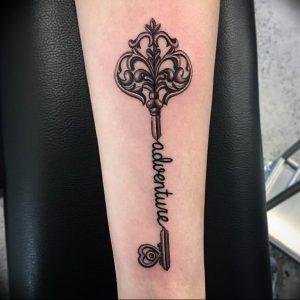 фото тату Ключ 03.05.2019 №001 - tattoo key - tattoo-photo.ru