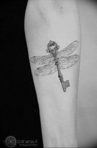 фото тату Ключ 03.05.2019 №022 - tattoo key - tattoo-photo.ru