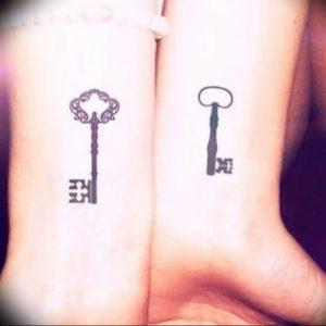 фото тату Ключ 03.05.2019 №023 - tattoo key - tattoo-photo.ru
