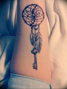 фото тату Ключ 03.05.2019 №050 - tattoo key - tattoo-photo.ru