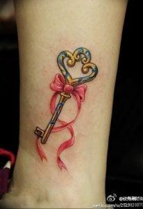 фото тату Ключ 03.05.2019 №096 - tattoo key - tattoo-photo.ru