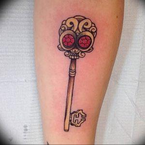 фото тату Ключ 03.05.2019 №110 - tattoo key - tattoo-photo.ru