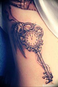 фото тату Ключ 03.05.2019 №115 - tattoo key - tattoo-photo.ru