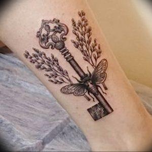 фото тату Ключ 03.05.2019 №129 - tattoo key - tattoo-photo.ru