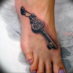 фото тату Ключ 03.05.2019 №226 - tattoo key - tattoo-photo.ru