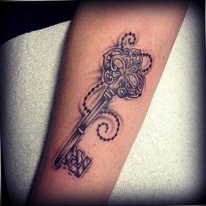 фото тату Ключ 03.05.2019 №251 - tattoo key - tattoo-photo.ru