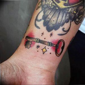 фото тату Ключ 03.05.2019 №261 - tattoo key - tattoo-photo.ru