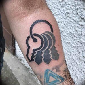фото тату Ключ 03.05.2019 №262 - tattoo key - tattoo-photo.ru