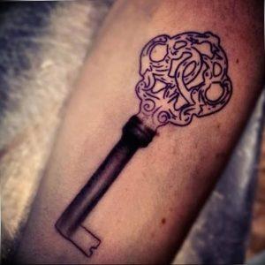 фото тату Ключ 03.05.2019 №273 - tattoo key - tattoo-photo.ru