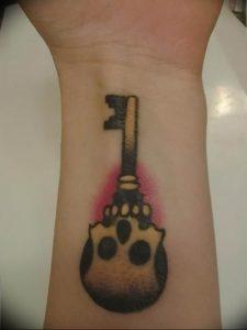 фото тату Ключ 03.05.2019 №316 - tattoo key - tattoo-photo.ru