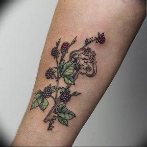 фото тату Ключ 03.05.2019 №321 - tattoo key - tattoo-photo.ru
