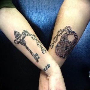 фото тату Ключ 03.05.2019 №342 - tattoo key - tattoo-photo.ru