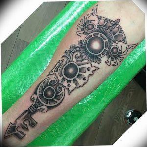 фото тату Ключ 03.05.2019 №344 - tattoo key - tattoo-photo.ru