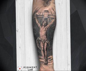 фото тату Распятие 01.05.2019 №015 - crucifix tattoo - tattoo-photo.ru