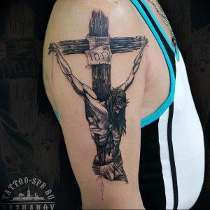 фото тату Распятие 01.05.2019 №028 - crucifix tattoo - tattoo-photo.ru