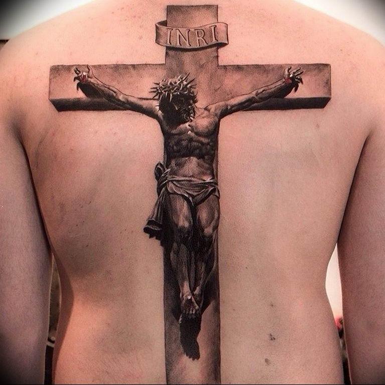 крест с иисусом тату картинки плохо
