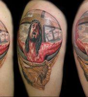 фото тату Распятие 01.05.2019 №055 — crucifix tattoo — tattoo-photo.ru