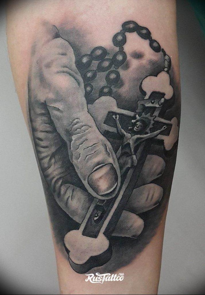 фото тату Распятие 01.05.2019 №067 - crucifix tattoo - tattoo-photo.ru