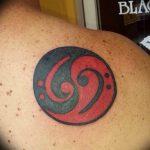 фото тату басовый ключ 01.05.2019 №090 - tattoo bass clef - tattoo-photo.ru