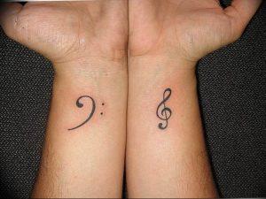 фото тату басовый ключ 01.05.2019 №174 - tattoo bass clef - tattoo-photo.ru