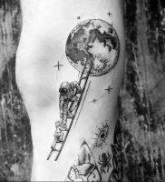 фото тату лестница 15.04.2019 №012 — tattoo ladder — tattoo-photo.ru