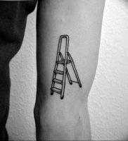 фото тату лестница 15.04.2019 №131 — tattoo ladder — tattoo-photo.ru