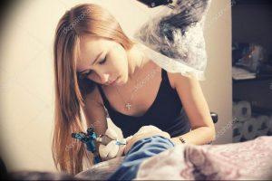фото тату мастер за работой 06.04.2019 №051 - tattoo master - tattoo-photo.ru