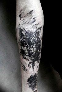 Фото тату волк 20.05.2019 №007 - photo tattoo wolf - tattoo-photo.ru