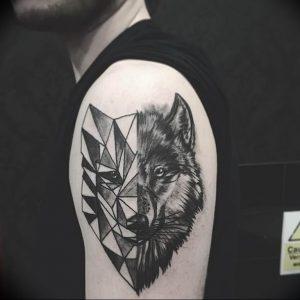 Фото тату волк 20.05.2019 №025 - photo tattoo wolf - tattoo-photo.ru