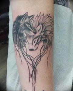 Фото тату волк 20.05.2019 №027 - photo tattoo wolf - tattoo-photo.ru