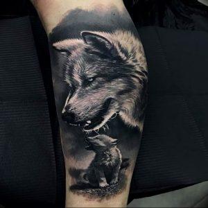 Фото тату волк 20.05.2019 №038 - photo tattoo wolf - tattoo-photo.ru