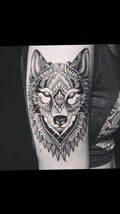 Фото тату волк 20.05.2019 №069 - photo tattoo wolf - tattoo-photo.ru