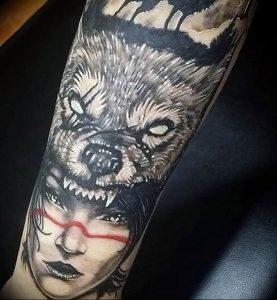 Фото тату волк 20.05.2019 №083 - photo tattoo wolf - tattoo-photo.ru