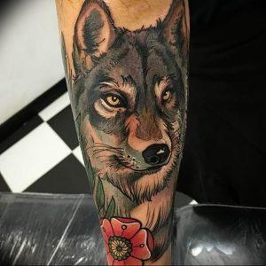 Фото тату волк 20.05.2019 №086 - photo tattoo wolf - tattoo-photo.ru