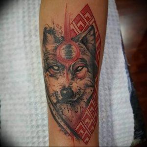 Фото тату волк 20.05.2019 №115 - photo tattoo wolf - tattoo-photo.ru