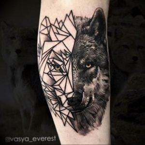 Фото тату волк 20.05.2019 №137 - photo tattoo wolf - tattoo-photo.ru