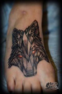 Фото тату волк 20.05.2019 №210 - photo tattoo wolf - tattoo-photo.ru
