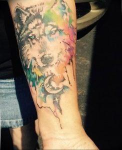 Фото тату волк 20.05.2019 №376 - photo tattoo wolf - tattoo-photo.ru