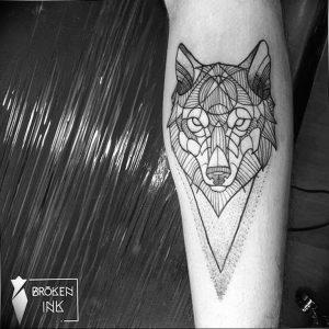 Фото тату волк 20.05.2019 №379 - photo tattoo wolf - tattoo-photo.ru