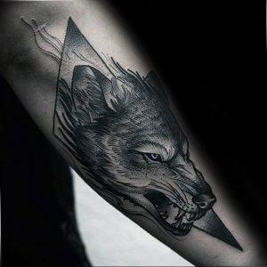 Фото тату волк 20.05.2019 №395 - photo tattoo wolf - tattoo-photo.ru