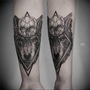 Фото тату волк 20.05.2019 №407 - photo tattoo wolf - tattoo-photo.ru