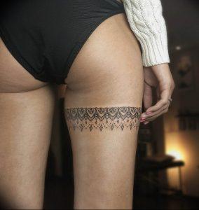 Фото тату подвязка для чулков 20.05.2019 №013 - photo tattoo garter - tattoo-photo.ru